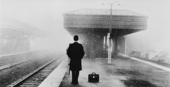 Waiting「Lonely Commuter」:写真・画像(16)[壁紙.com]