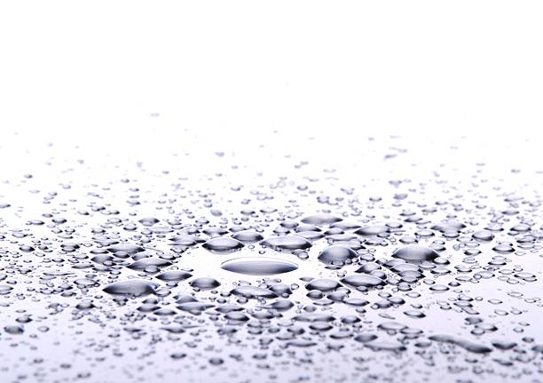 Drops on metal.:スマホ壁紙(壁紙.com)