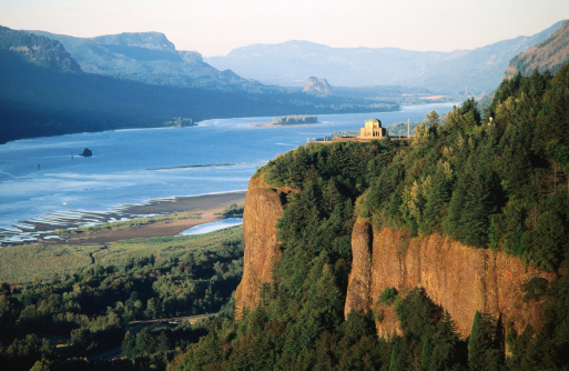 Crown Point「Vista House, Crown Point SP, and Columbia River.」:スマホ壁紙(6)