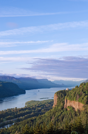 Crown Point「Vista House and Columbia River Gorge」:スマホ壁紙(13)