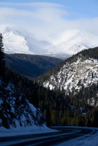 Steep「Rocky Mountains in Winter」:スマホ壁紙(12)
