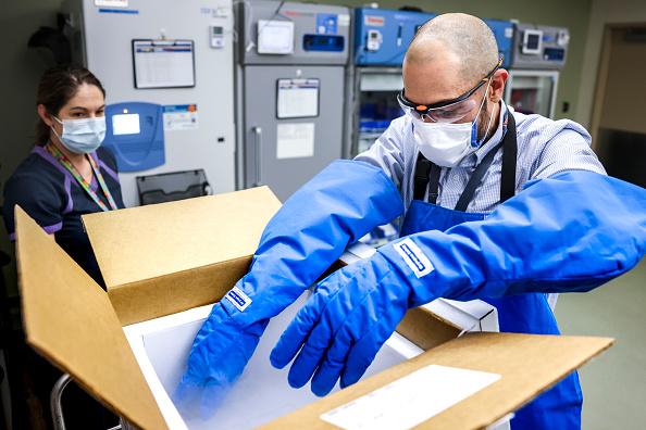 Industry「Eastern Colorado VA Receives Shipments Of Covid-19 Vaccines」:写真・画像(14)[壁紙.com]