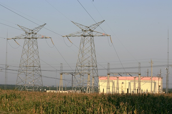 Hebei Province「Building the new railway between Jinzhou and Qinghuangdao. Electric sub station at Jinzhou. September 2005.」:写真・画像(15)[壁紙.com]