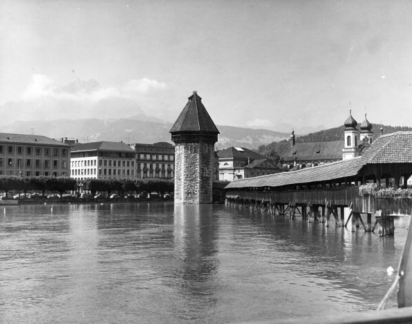 Architectural Feature「Lake Lucerne」:写真・画像(8)[壁紙.com]