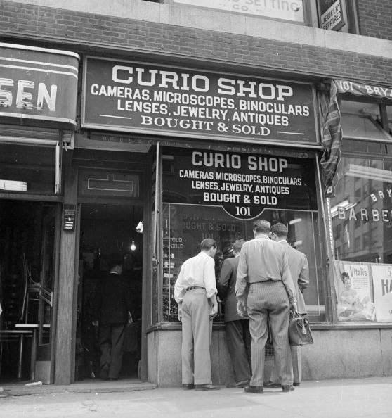 Store Window「Curio Shop」:写真・画像(9)[壁紙.com]