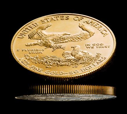 硬貨「Macro image of gold eagle coin」:スマホ壁紙(9)