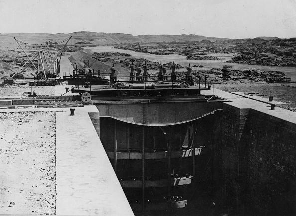 Construction Equipment「Aswan Gateway」:写真・画像(2)[壁紙.com]