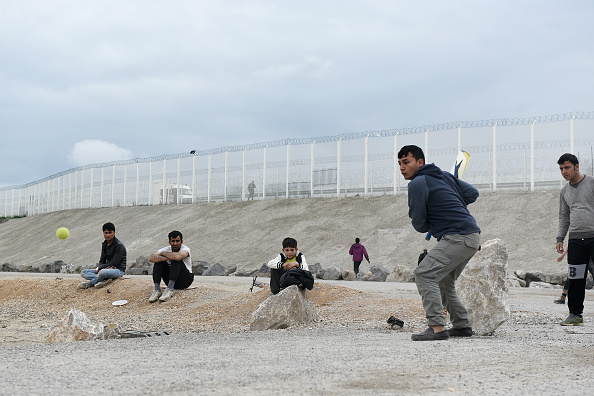Calais「Migrant Children Wait For Possible Decision On Their Future In The UK」:写真・画像(1)[壁紙.com]