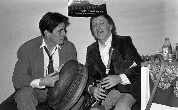 Celtic Music「Paddy Moloney and Gabriel Byrne 1988」:写真・画像(2)[壁紙.com]