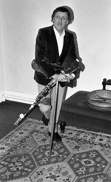 Celtic Music「Paddy Moloney and Gabriel Byrne 1988」:写真・画像(1)[壁紙.com]