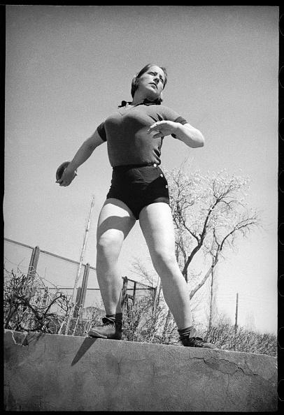 Max Penson「Sportswoman」:写真・画像(14)[壁紙.com]