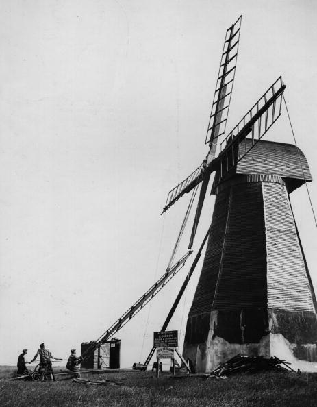 Agricultural Building「Windmill Repaired」:写真・画像(12)[壁紙.com]