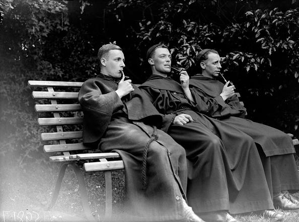 Anglican「Smoking Monks」:写真・画像(17)[壁紙.com]
