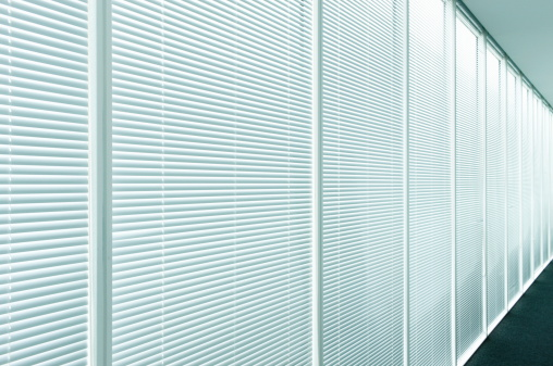 Blinds「Blinds in office hallway,close up」:スマホ壁紙(3)