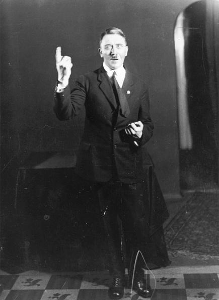 Speech「Adolf Hitler」:写真・画像(0)[壁紙.com]