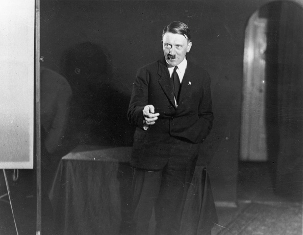 Speech「Adolf Hitler」:写真・画像(3)[壁紙.com]