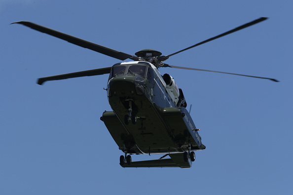 Replacement「The New Presidential Helicopter Marine One Takes Off From White House」:写真・画像(12)[壁紙.com]