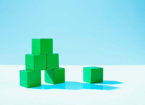 Strategy「Stack of green blocks」:スマホ壁紙(12)