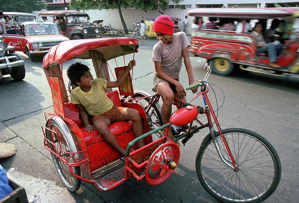 Journey「Children on Rickshaw, Manila, Philippines」:写真・画像(16)[壁紙.com]