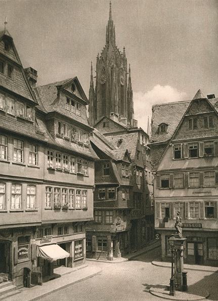 Townhouse「Frankfurt a. Main. Saalgasse - Cathedral Tower, 1931」:写真・画像(15)[壁紙.com]
