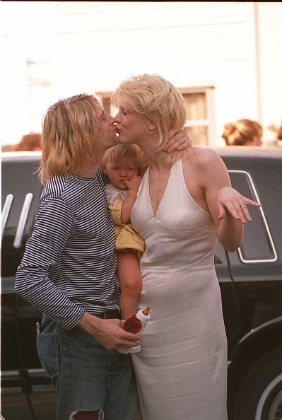 Courtney Love「Universal City Kurt Cobain Lead Singer Of Nirvana With His Wife Courtney Love Photo」:写真・画像(1)[壁紙.com]
