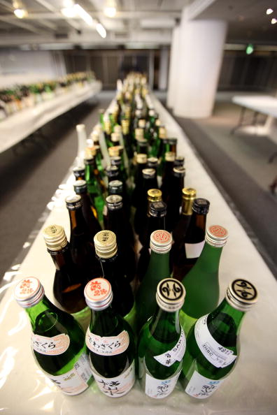 Sake「Experts Judge The Annual International Wine Challenge Entries」:写真・画像(10)[壁紙.com]