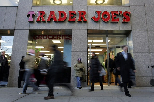 Michael Nagle「Trader Joe's Opens Its First Store In New York City」:写真・画像(19)[壁紙.com]