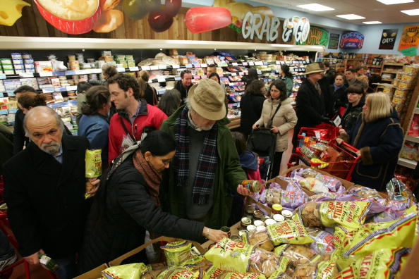 Michael Nagle「Trader Joe's Opens Its First Store In New York City」:写真・画像(16)[壁紙.com]