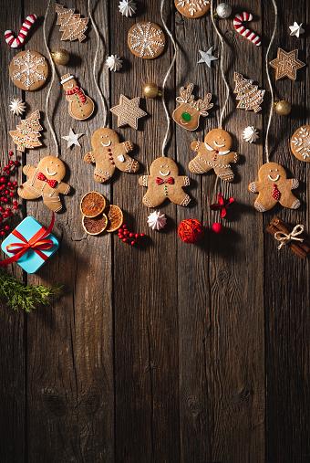 Candy Cane「Christmas gingerbread man cookies snowman, stars, snowflake, candy cane, reindeer and fir」:スマホ壁紙(14)