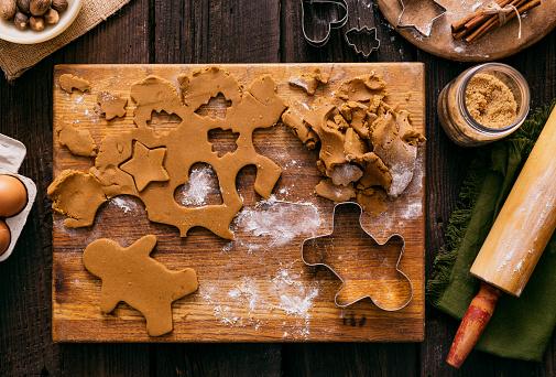 Gingerbread Cookie「Christmas Gingerbread Man Cookies Holiday Baking Dough」:スマホ壁紙(12)