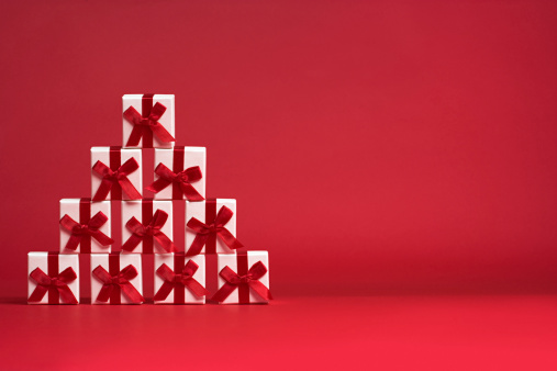 Red Background「Christmas gifts」:スマホ壁紙(1)