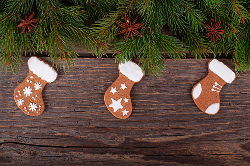 Sweater「Christmas gingerbread cookies on rustic wood」:スマホ壁紙(15)