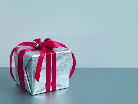 Gift「Christmas gift with red ribbon and silver wrapping」:スマホ壁紙(11)