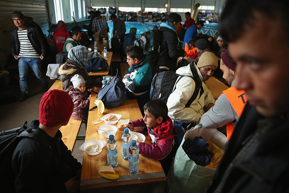 Rest Area「Over 6,000 Migrants Crossing Into Bavaria Daily」:写真・画像(15)[壁紙.com]