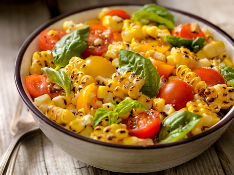 Char-Grilled「Grilled Corn Salad with Tomatoes and Basil」:スマホ壁紙(1)