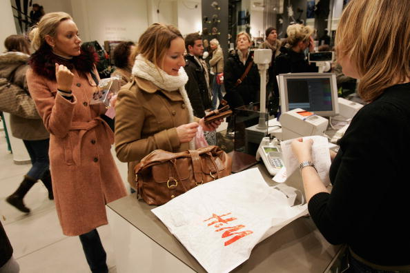 Sales Occupation「HandM Among Europe's Top Clothing Retailers」:写真・画像(19)[壁紙.com]