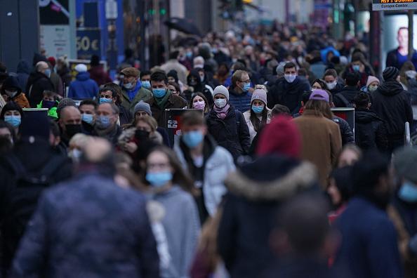 Crowd「Black Friday Weekend During The Coronavirus Pandemic」:写真・画像(9)[壁紙.com]