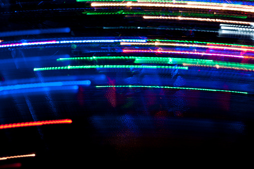 Neon「Motion drawn with light trails」:スマホ壁紙(14)