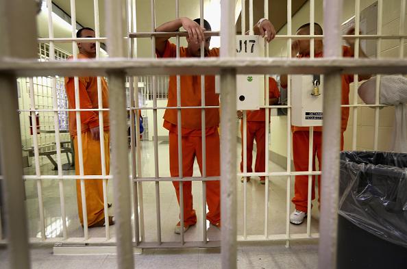 アメリカ合州国「ICE Detains And Deports Undocumented Immigrants From Arizona」:写真・画像(2)[壁紙.com]