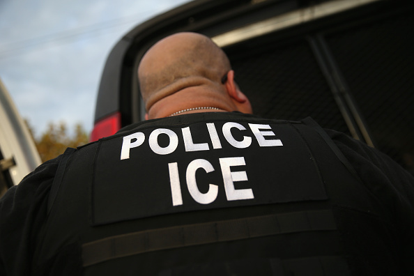 Ice「ICE Agents Detain Suspected Undocumented Immigrants In Raids」:写真・画像(13)[壁紙.com]