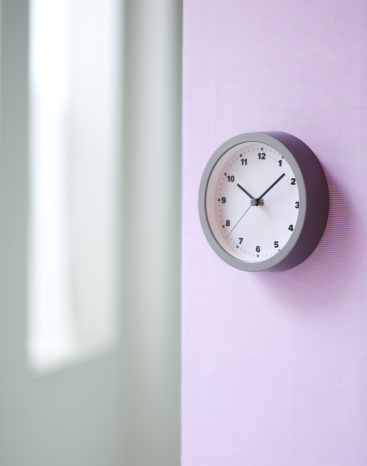 Focus On Background「A simple wall clock」:スマホ壁紙(9)