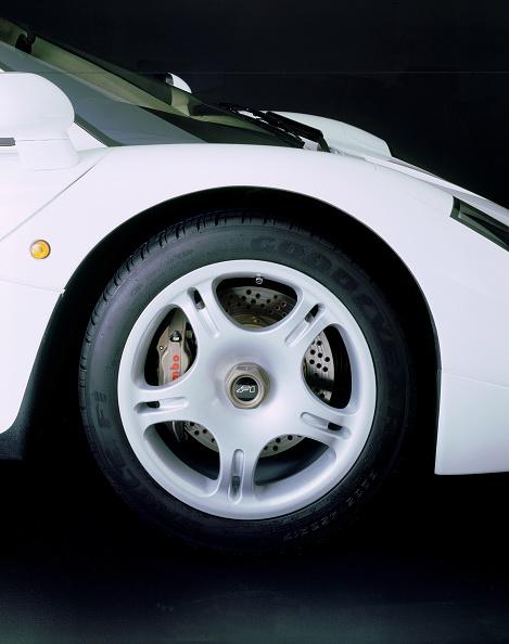 Wheel「1995 McLaren F1 road car wheel」:写真・画像(13)[壁紙.com]
