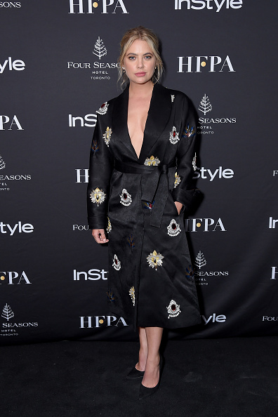 アシュリー ベンソン「The Hollywood Foreign Press Association And InStyle Party At 2018 Toronto International Film Festival - Arrivals」:写真・画像(18)[壁紙.com]