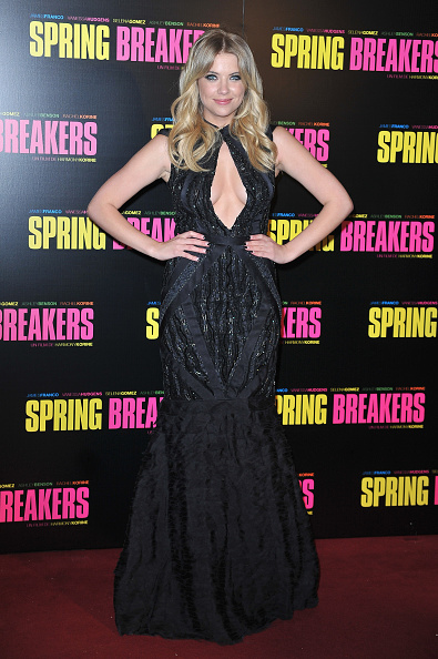 Keyhole Neckline「'Spring Breakers' Paris Premiere at Le Grand Rex」:写真・画像(8)[壁紙.com]