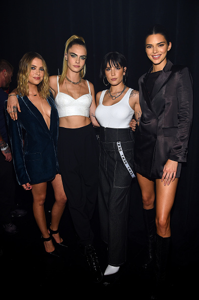 Ashley Benson「DKNY Turns 30 With Special Live Performances By Halsey And The Martinez Brothers - Inside」:写真・画像(2)[壁紙.com]