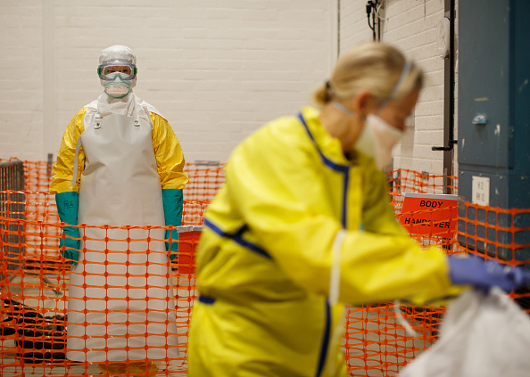 Following - Moving Activity「Doctors Without Borders Launch An Ebola Training Programme」:写真・画像(17)[壁紙.com]