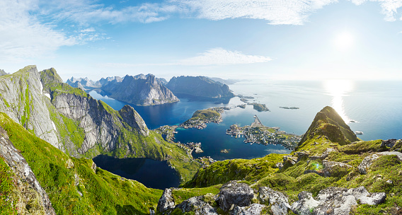 Scandinavia「Panoramic of fishing village Reine in Lofoten from Reinebringen, Lofoten, Norway」:スマホ壁紙(16)