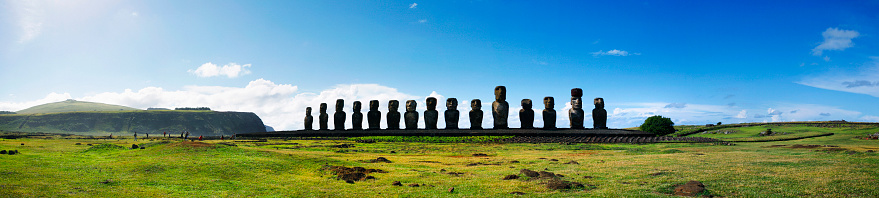 Spirituality「Panoramic of Moai at Ahu Tongariki on Easter Island, Chile」:スマホ壁紙(3)