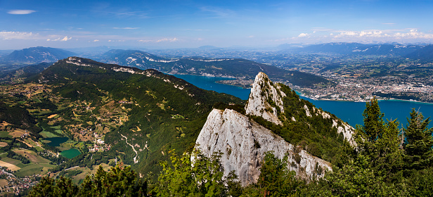 Lake Bourget「Panoramic of La Dent Du Chat mountain summit in French Alps with Aix les Bains city at the edge of Lake Bourget」:スマホ壁紙(14)