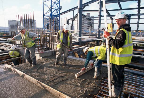 Top floor level frames continuing concrete work on the slab. Baskerville House renovation, Birmingham, UK:ニュース(壁紙.com)